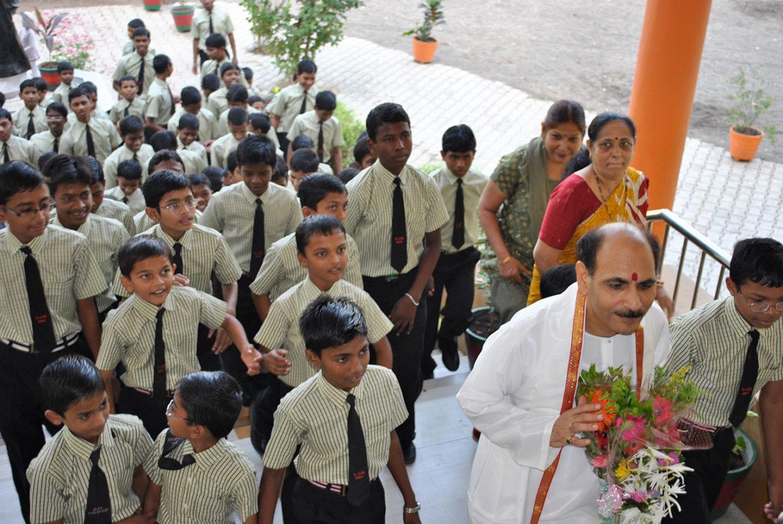Vishwa Jagriti Mission-Sudhanshu Ji Maharaj-Bal Ashram Surat-DBKY